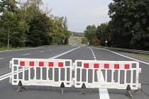 Uzavřený most v Klatovech a situace okolo.