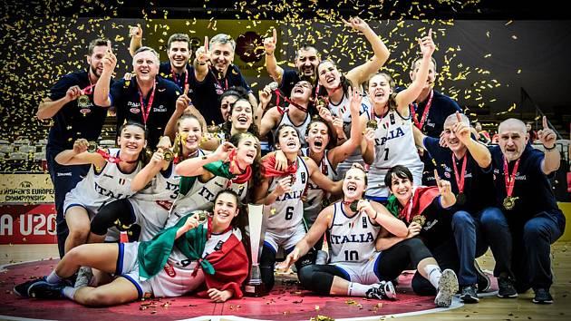 Itálie vyhrála mistrovství Evropy basketbalistek do 20 let, které se letos konalo v Klatovech.