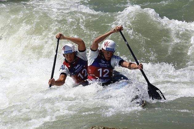 MS ve vodním slalomu na divoké vodě v Bratislavě, Vít Pohanka (vpředu) a Denis Wendl