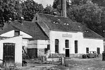 Dobový snímek lihovaru v Kolinci