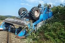 Nehoda kombajnu u Jindřichovic.