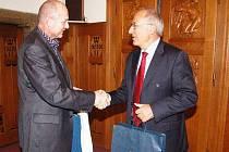 Předseda Českého olympijského výboru Milan Jirásek na návštěvě v Klatovech