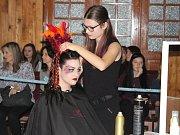 Kadeřnická a kosmetická soutěž Glamour v Sušici.