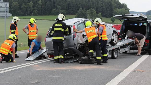 Dopravní nehoda u Číhaně.