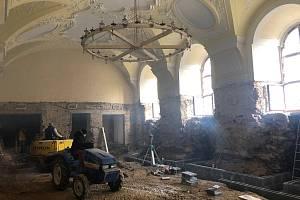 Opravy jezuitské koleje v Klatovech.
