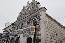 Objekt bývalé lékárny na náměstí v Sušici.