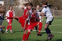 Fotbalové utkání staršího dorostu Sušice (červené dresy) - Přeštice 3:1