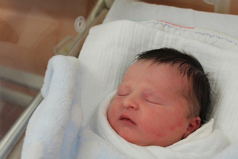 Marek Vondryska zKlatov se narodil vklatovské porodnici 17. září ve 4:08 hodin (3220 g, 50 cm). Rodiče Marie a Roman věděli dopředu, že jejich prvorozeným miminkem bude chlapeček.