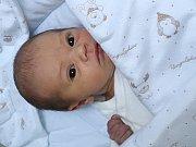 Karolína Špačková z Chudenína (2580 g) se narodila v klatovské porodnici 30. listopadu ve 23.24 hodin. Rodiče Michaela a Pavel se na prvorozené dítě těšili.