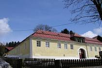Zámeček je nejstarší zachovalou budovou v Železné Rudě.