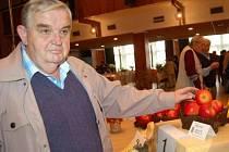 Jan Staněk z Plánice zvítězil s jablkem Rubín v soutěži Jablko Klatovska.