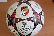 Podepsaný míč FC Viktoria Plzeň