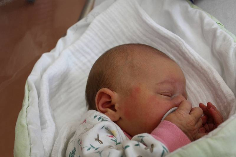 Sofie Chromková  (2980 g, 50 cm) zČerníkova se narodila vklatovské porodnici 26. července v16:25. Rodiče Sára a Lukáš dopředu věděli, že jejich prvorozeným miminkem bude holčička.