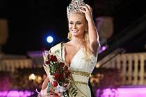 Na Šumavu přijede sázet stromky i Miss Earth 2012 Tereza Fajksová.