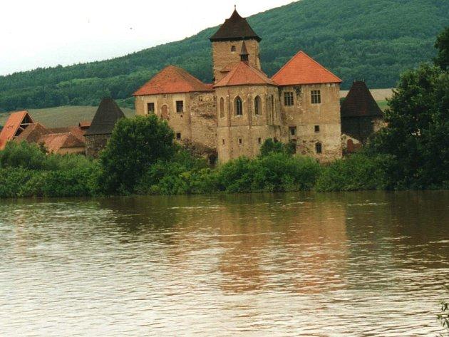 Hrad Švihov v roce 2002