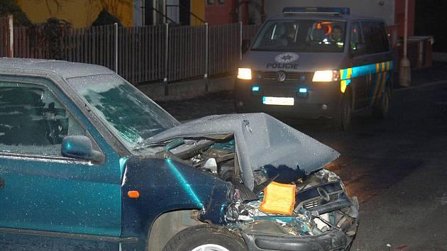 Nedělní ranní nehoda v klatovské Mánesově ulici