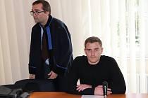 Obžalovaný René Pátek u klatovského soudu.