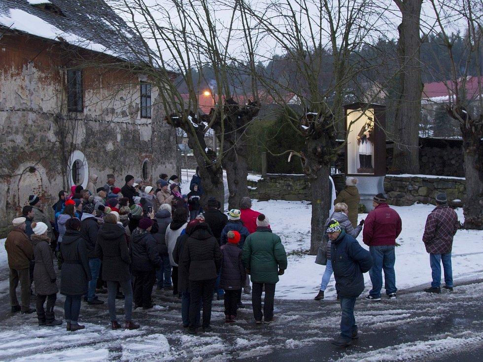Vysvěcení sochy sv. Jana Nepomuckého.