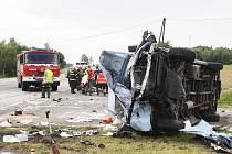 Srážka osobního auta a dodávky na Bukováku