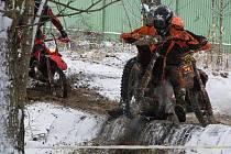 Trať s umělými i přírodními překážkami prověřila síly všech závodníků na sobotním cross country ve Strážovicích.