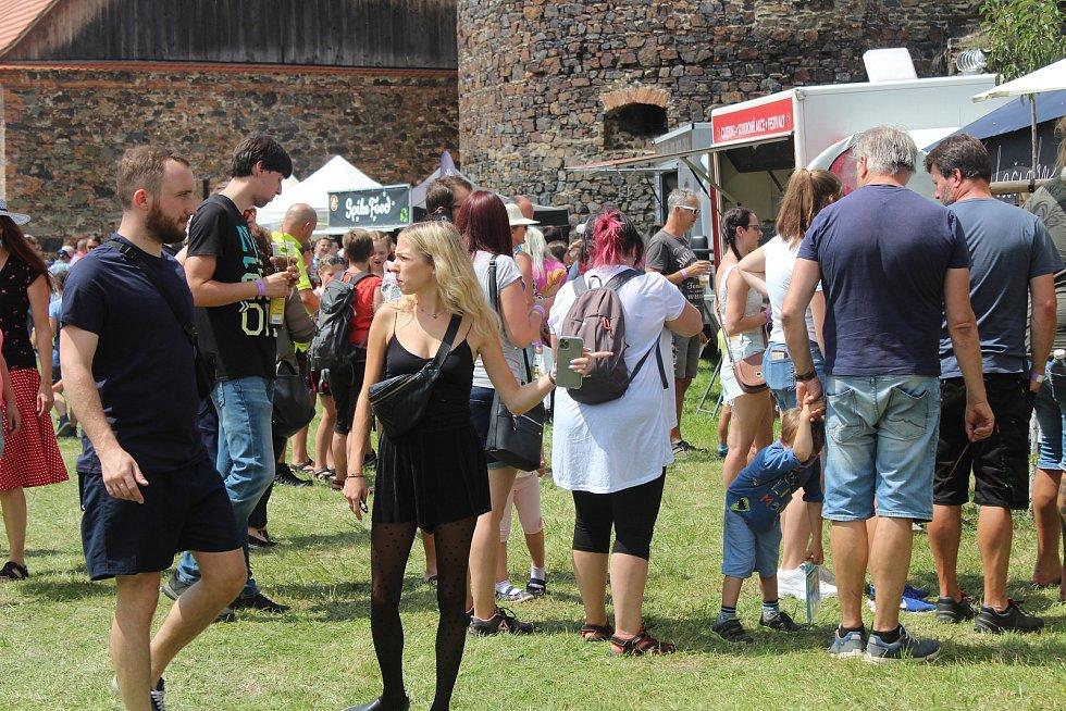 Street food festival na hradě ve Švihově.