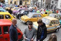 Sraz Fiatů 126 v Klatovech.