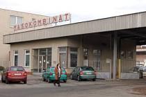 Klatovský masokombinát, který patří pod křídla firmy Xavergen se sídlem  v Říčanech u Prahy, zaměstnává v současné době 208 lidí. Nyní  180 z nich obdrželo výpovědi.