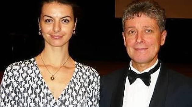 Taneční mistr Evžen Krejčík a jeho asistentka Sylvie Soukupová.
