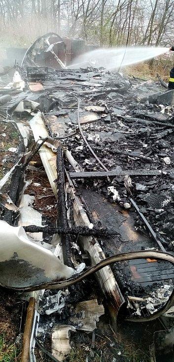 Požár obytného vozu v Sušici.
