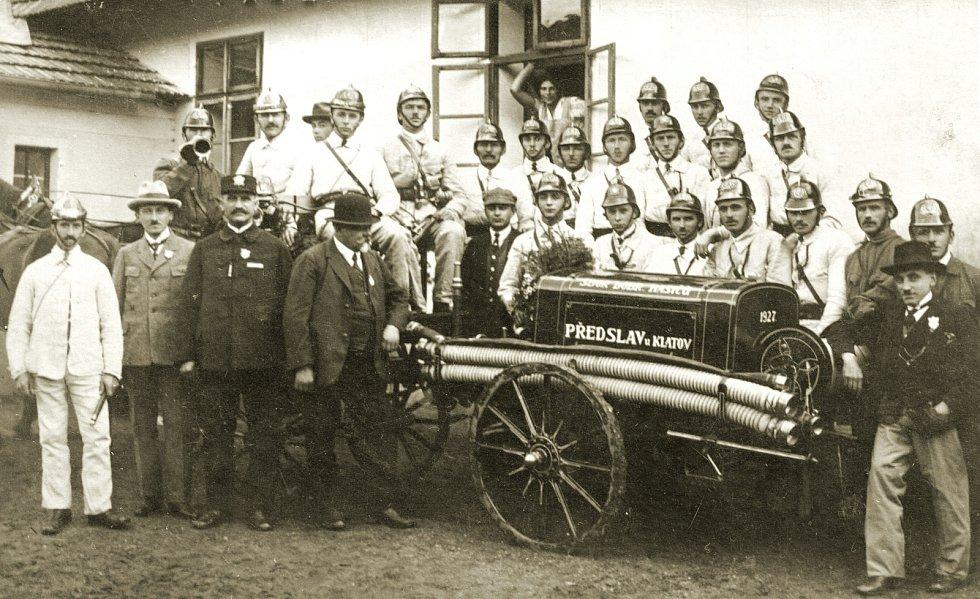 Ohlédnutí do historie obce Předlsav.