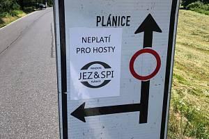 Označení v Plánici.