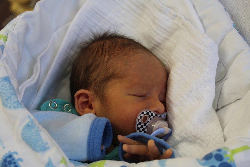 Milan Hrubý zChodské Lhoty se narodil vklatovské porodnici 18. července v5:02 hodin (2660 g, 48 cm). Rodiče Alžběta a Milan dopředu věděli, že jejich prvorozeným miminkem bude chlapeček.