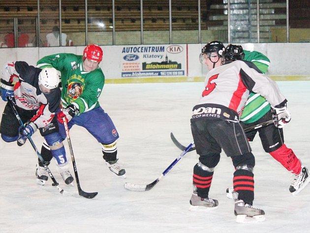 Šumavská liga amatérského hokeje HC Tomahawks - HC Viziauto 1:4.