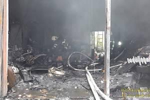 Požár garáže ve Vřeskovicích.
