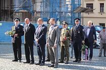 Setkání u radnice v Klatovech k připomenutí událostí 21. srpna 1968 a 1969.