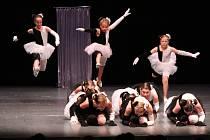 Ve víru tance v klatovském divadle.