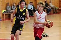 Liga mladších žáků U14: BK Klatovy B (bílé dresy) - ŠSK Slaný 49:99