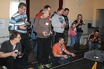 Kdo si hraje, nezlobí. Setkání modelářů v Bolešinech 8. 2. 2014