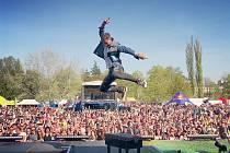 Marek Ztracený jezdí během roku po koncertech po celé republice a koncertování si velmi užívá, známý je svými výskoky a komunikováním s diváky během písniček, které si s ním všichni rádi zazpívají.