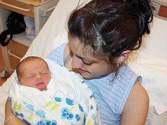 Dušan Červený z Klatov (3520 gramů, 47 cm) se narodil v klatovské porodnici 28. srpna ve 13.40 hodin. Rodiče Nikola a Dušan přivítali očekávaného prvorozeného synka na svět společně.