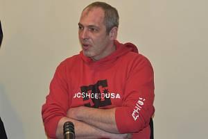 Miroslav Zámiška (34) ze Sušice u soudu v Klatovech.