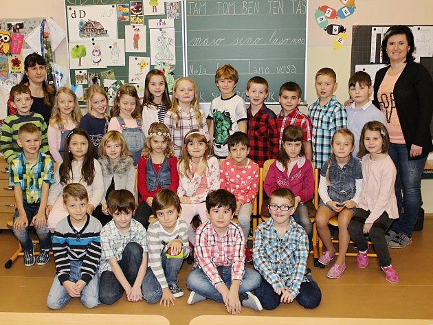 Prvňáci zMasarykovy základní školy vJanovicích nad Úhlavou.