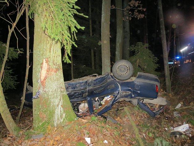 Dopravní nehoda osobního vozu u Tupadel.