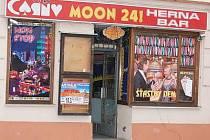 """Okna heren """"zdobí"""" například Vídeňskou ulici v Klatovech."""
