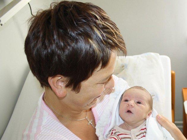 Katarina Ianostac z Mochtína (2480 gramů, 48 cm) se narodila v klatovské porodnici 6. srpna ve 13.03 hodin. Rodiče Ana a Josef přivítali svoji očekávanou prvorozenou dcerku na svět společně.
