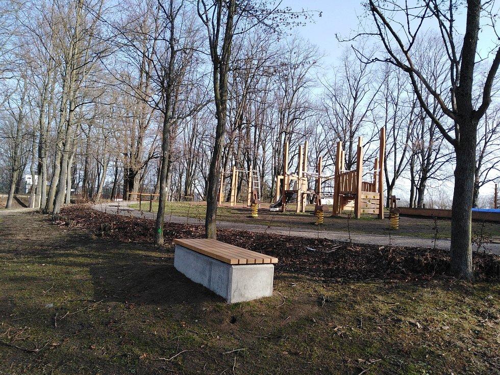 Nová úprava parku na Vodojemu v Klatovech.