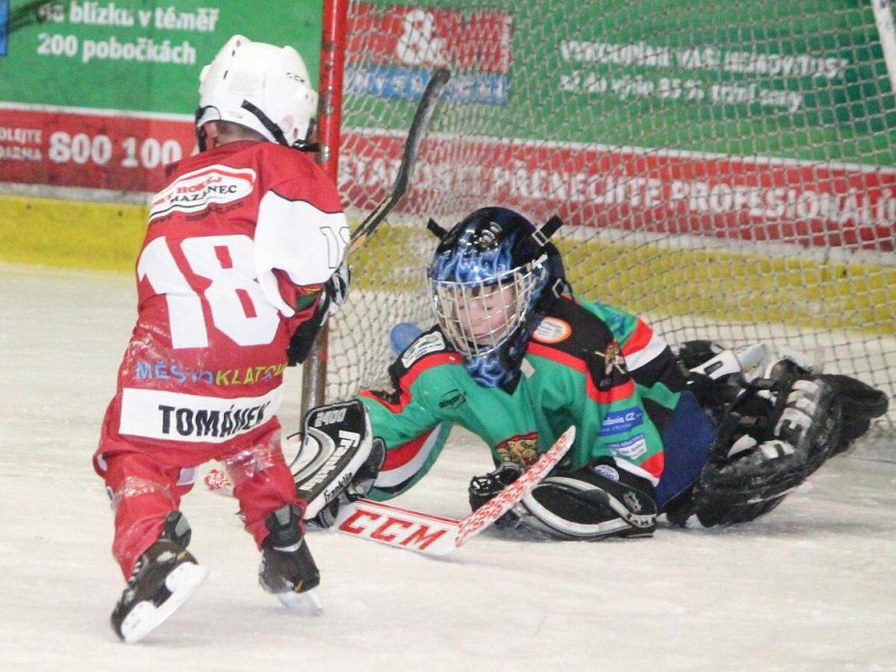 Přátelský zápas 1. tříd: HC Klatovy (v červeném) - HC Domažlice.