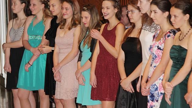 Zahájení prvního kurzu tanečních v Klatovech.