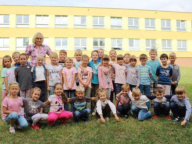 Žáci 1.Aze ZŠ Klatovy, Tolstého střídní učitelkou Evou Roubalovou.