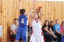Basketbal: Liga juniorek U19 – skupina A BK Klatovy (bílé dresy) – Sokol Kladno 47:53